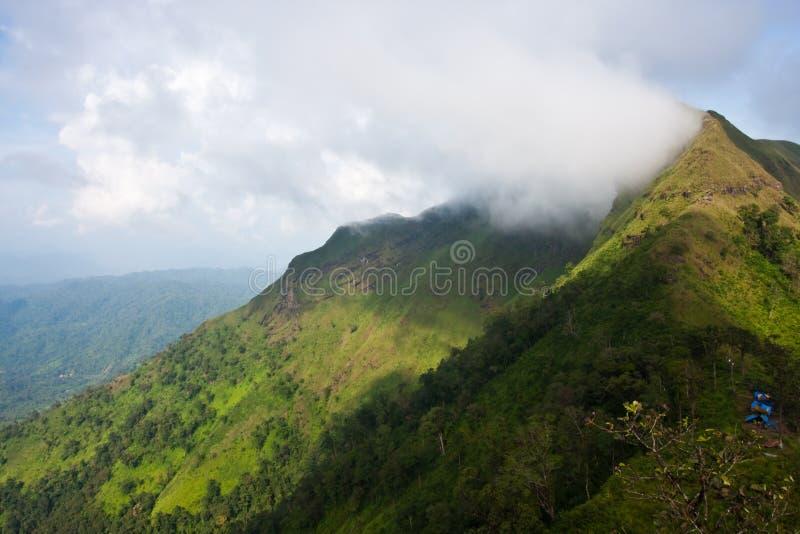 En la montaña superior fotos de archivo