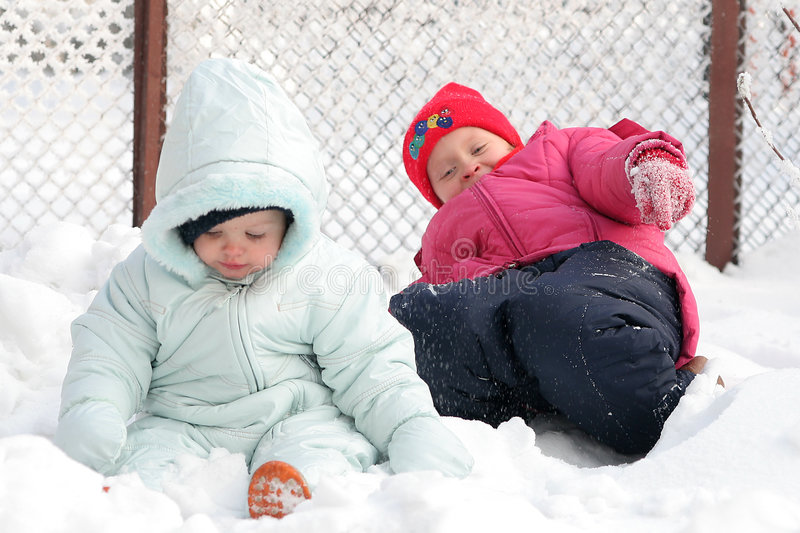 En la nieve fotos de archivo