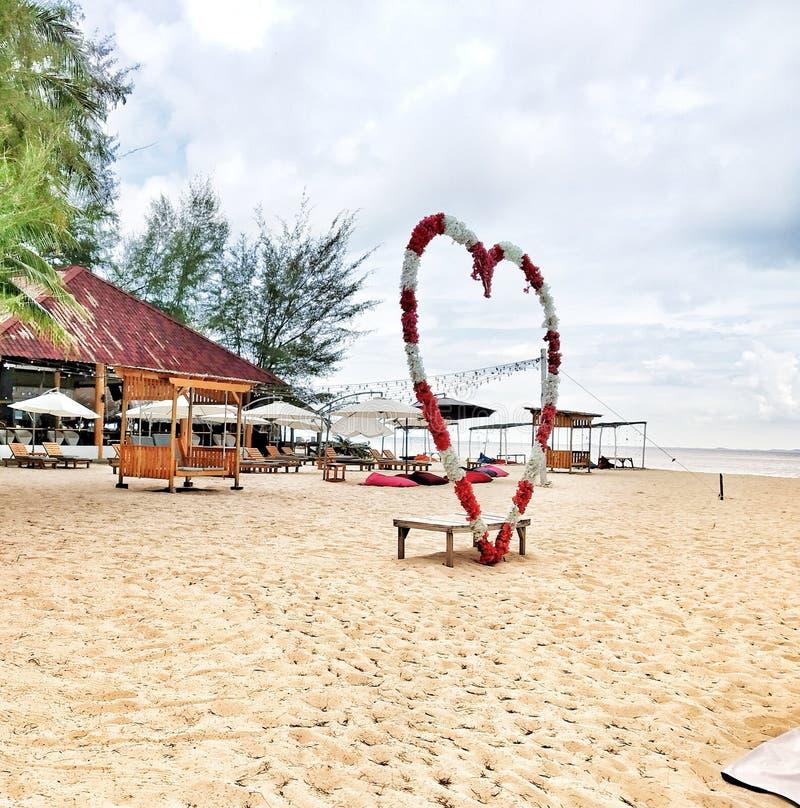 en la playa con amor fotografía de archivo