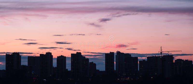 En la puesta del sol fotos de archivo libres de regalías