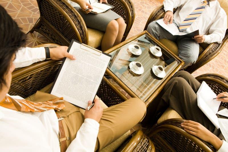 En la reunión imagen de archivo libre de regalías