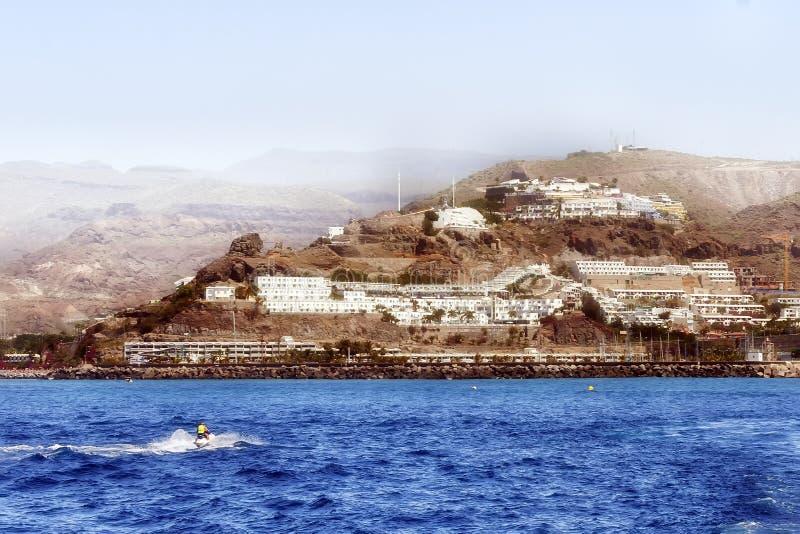 En landskapsikt av vulkaniska berg i Gran Canaria fotografering för bildbyråer