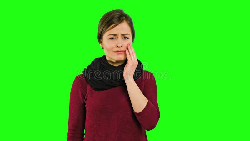 En ledsen ung dam och gråt royaltyfria foton