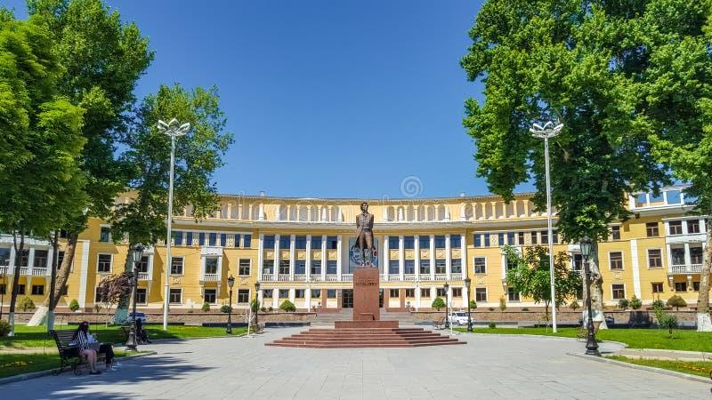 En mayo de 2019, Uzbekistán, Tashkent, monumento del poeta ruso Pushkin Alexander Sergeevich imagen de archivo