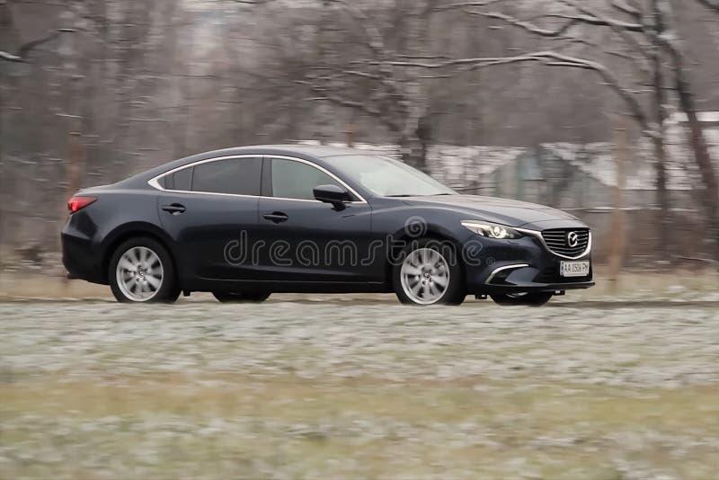 en Mazda 6 bil royaltyfri bild