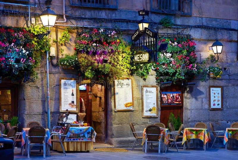 En Meson i Madrids centrala stad Madrid, Spanien royaltyfri bild