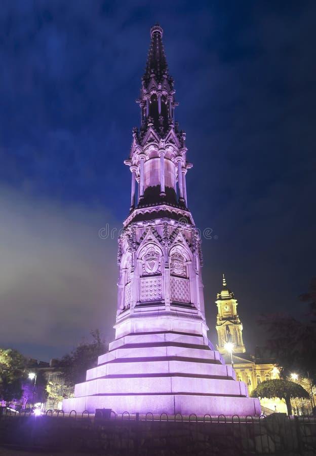 En Misty Night i historiska Hamilton Square, Birkenhead, England, UK arkivbild