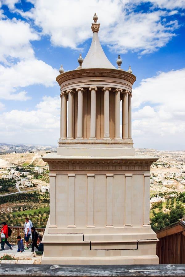 En modell av slotten av konungen Herod i fördärvar av den Herodium Herodion fästningen av Herod det stort, den Judaean öknen nära royaltyfri bild