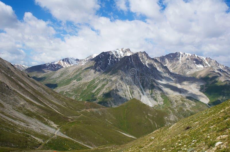 En montañas del hight fotografía de archivo libre de regalías