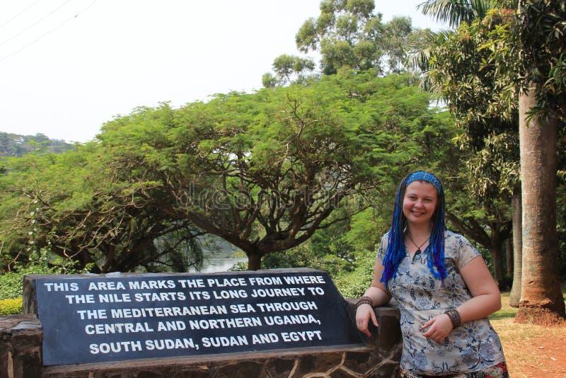 En monument tilldelad till st?llet var Nile River p?b?rjar fr?n Lake Victoria arkivbild