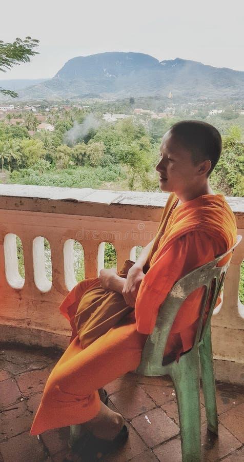 En munk i South East Asia, Laos arkivbilder