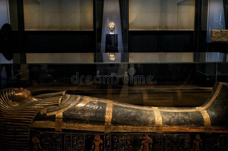 En noviembre de 2018 Moscú, Rusia, egipcio Pasillo en el museo, sarcófago de la momia imagen de archivo libre de regalías