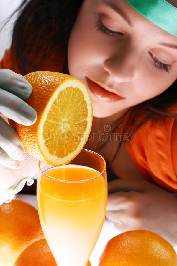En orange fruktsaft arkivbild