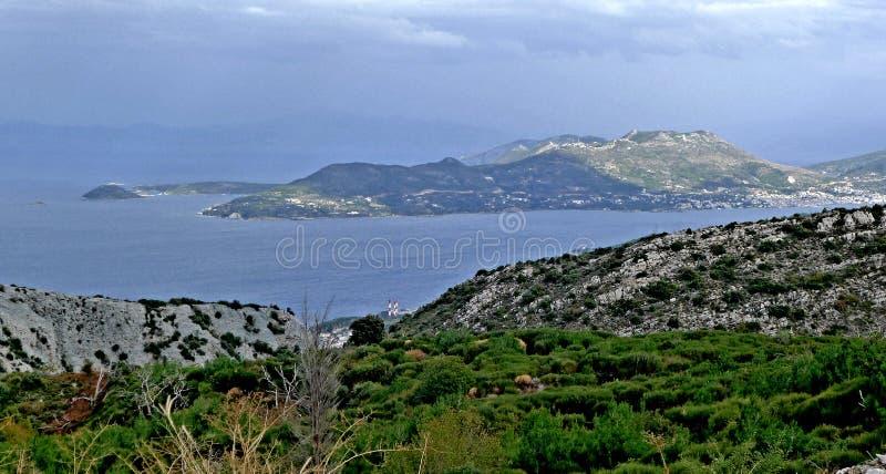 En panoramautsikt av öarna i det Aegean havet nära ön av Samos royaltyfria foton