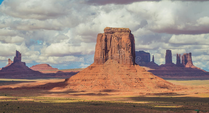 En parc tribal de Navajo de vallée de monument, l'Utah, Etats-Unis photo stock