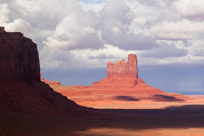 En parc tribal de Navajo de vallée de monument, l'Arizona, Etats-Unis photo stock
