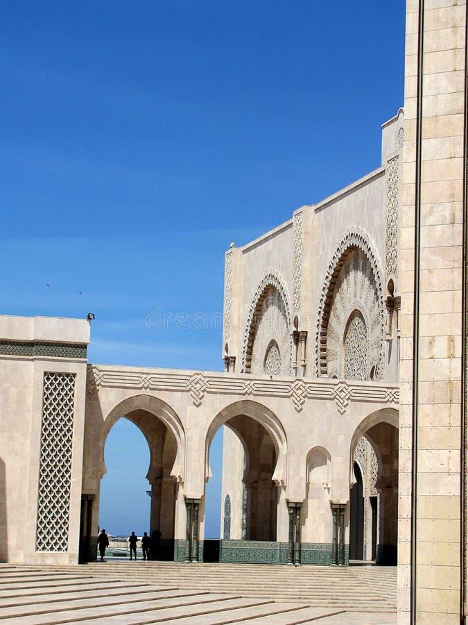 En partisk sikt av den Hasan II moskén i Casablanca, Marocko Det är en av de största moskéerna i världen royaltyfria foton