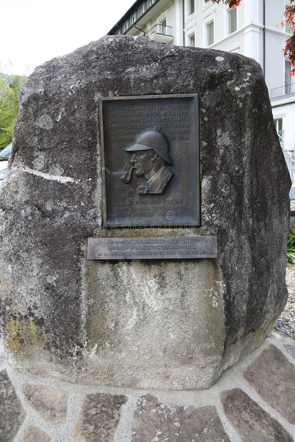 En platta på Reichenbachen faller, var stämma överens Sir Arthur Conan Doyle Sherlock Holmes, besegrade professorn Moriarty royaltyfri bild