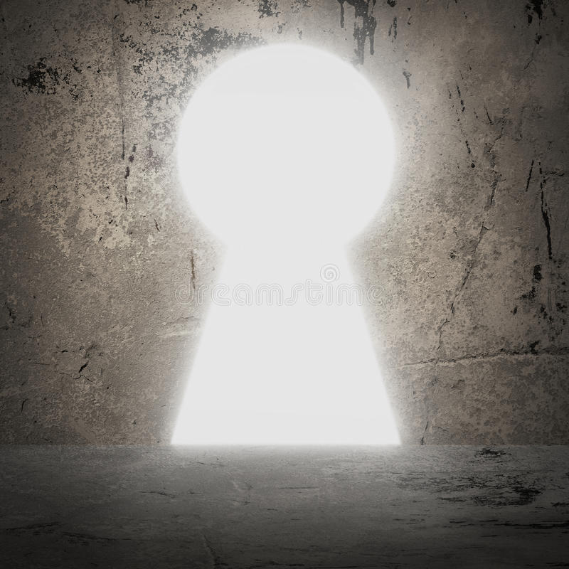 En porte de mur en béton comme trou de la serrure Lumière lumineuse photographie stock