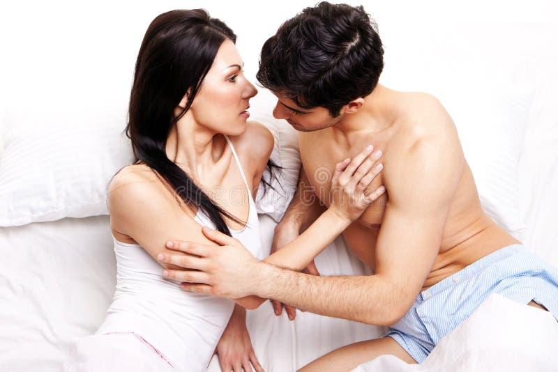 En prévision d'un baiser photo libre de droits