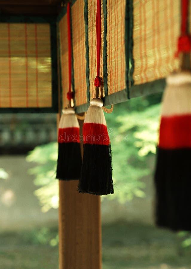 En röd och svart japansk dekorativ objektbakgrund royaltyfri bild