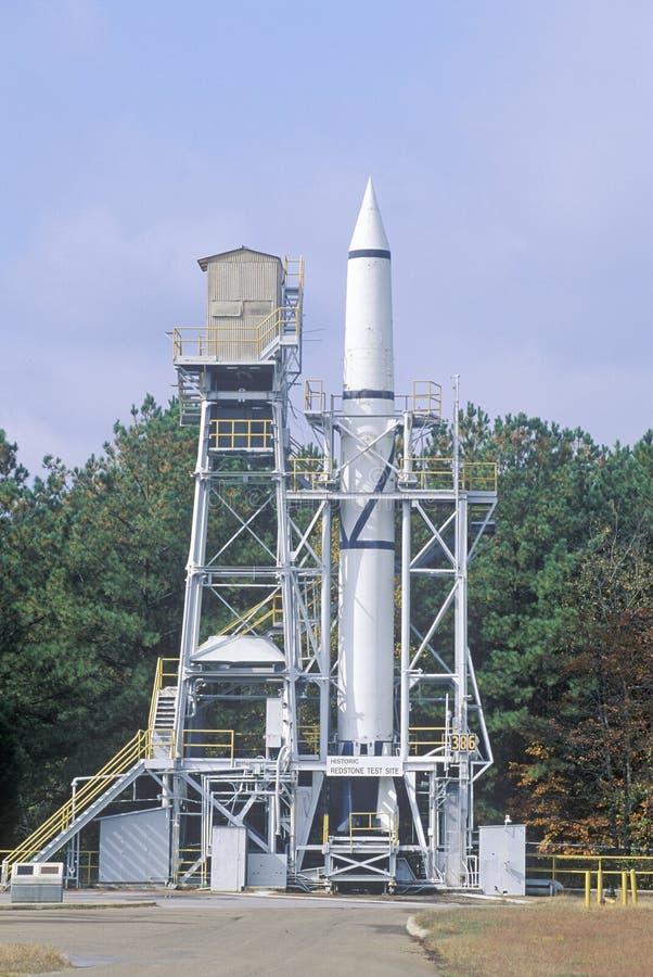 En raket på den historiska Redstonen Rocket Test Site på Georgen C Marshall Space Flight Center i Huntsville, Alabama arkivbild