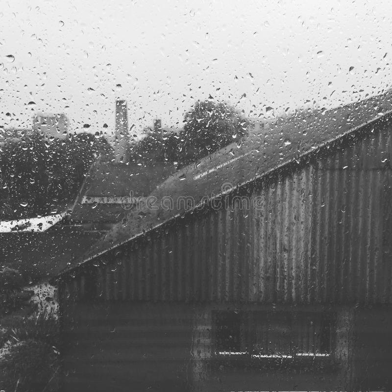 En regnig dag från mitt fönster i Dublin fotografering för bildbyråer