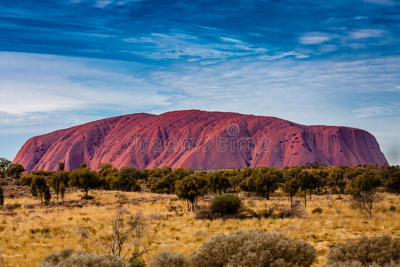 En scenisk sikt av Uluru Ayers vaggar, Australien royaltyfri foto