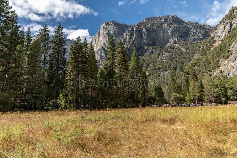 En sceniska Autumn View, Yosemite, Ca royaltyfri foto