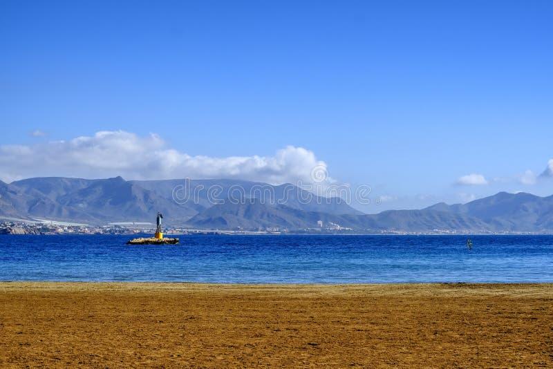 En seascape av Puerto de Mazarron i Murcia, Spanien arkivfoton