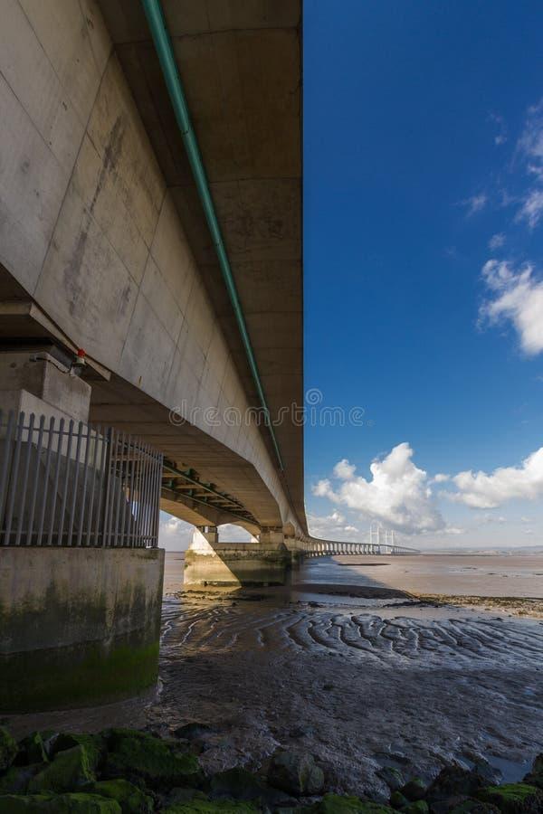 En segundo lugar Severn Crossing, puente sobre Bristol Channel entre Inglés imagen de archivo libre de regalías