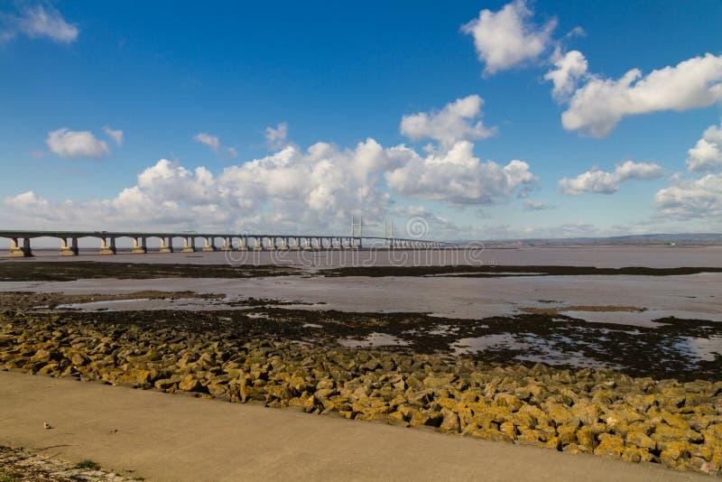 En segundo lugar Severn Crossing, puente sobre Bristol Channel entre Inglés fotos de archivo