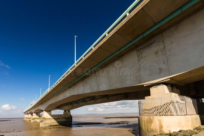 En segundo lugar Severn Crossing, puente sobre Bristol Channel entre Inglés imágenes de archivo libres de regalías