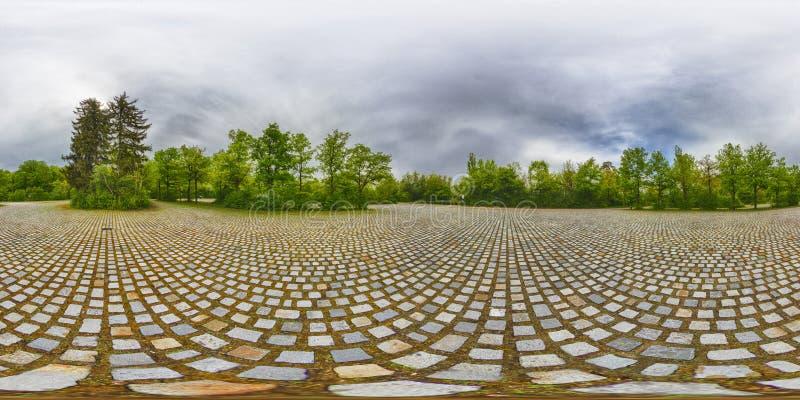 En sfärisk 360 grader sömlös panoramasikt i equirectangula royaltyfria foton