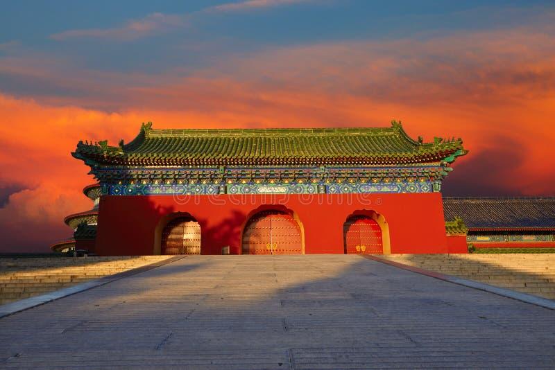 En sidodörr/en vägg av templet av himmel, Peking arkivbilder