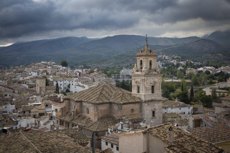 En sikt över den Caravaca de la Cruz staden fotografering för bildbyråer