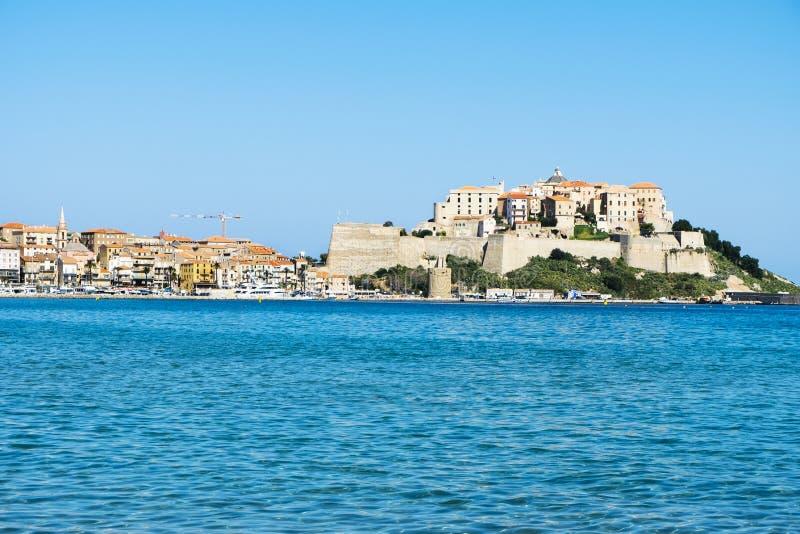En sikt av Calvi, i Korsika, Frankrike royaltyfria foton