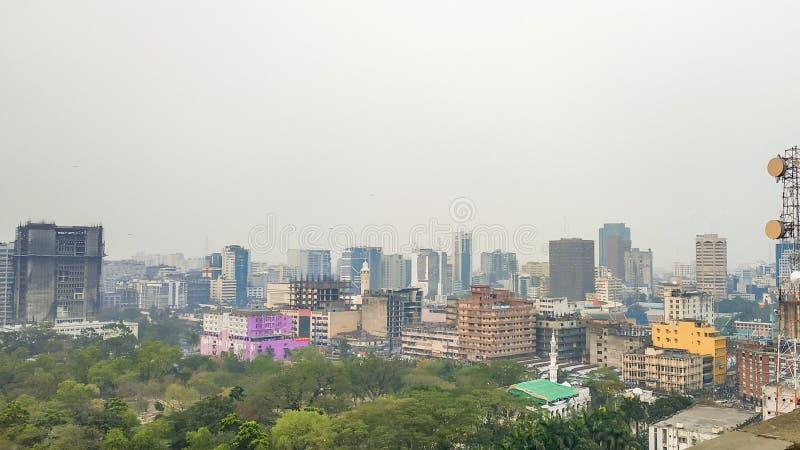En sikt av den Dhaka staden arkivfoton
