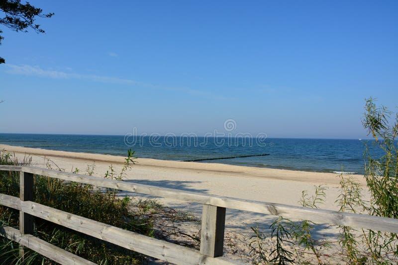 En sikt av den himla- stranden arkivfoton