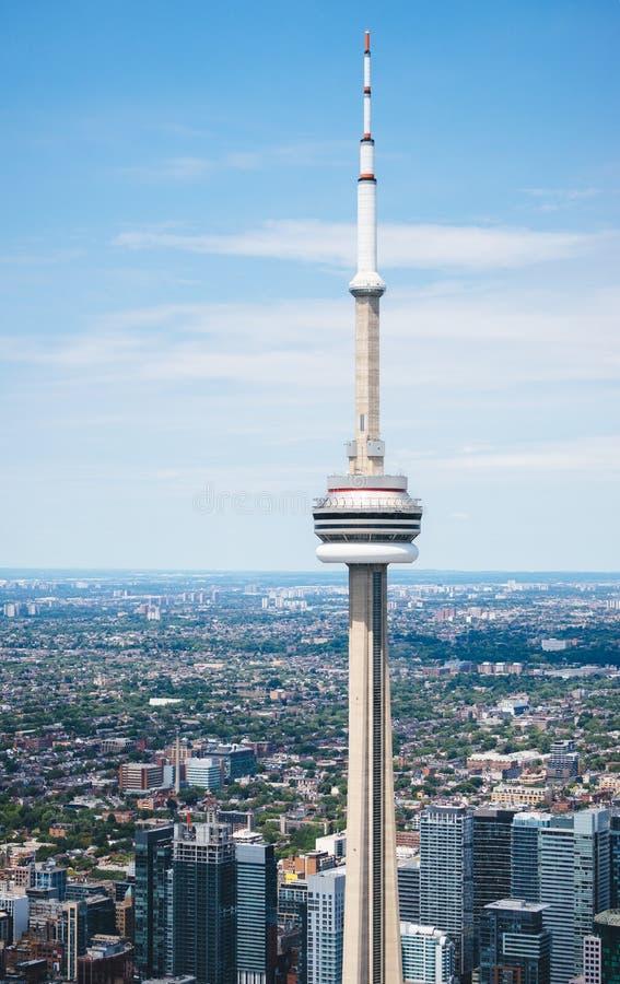 En sikt av den i stadens centrum Toronto från luften royaltyfri bild