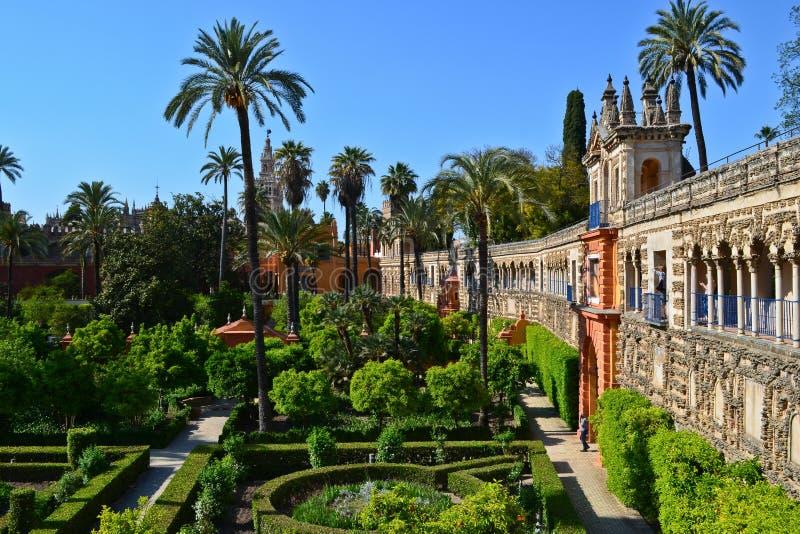 En sikt av Galeria de Grutescos i Alcazar av Seville, Spanien royaltyfri bild