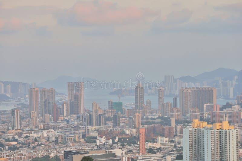 en sikt av Hong Kong som är stads- av östliga kowloon arkivbild