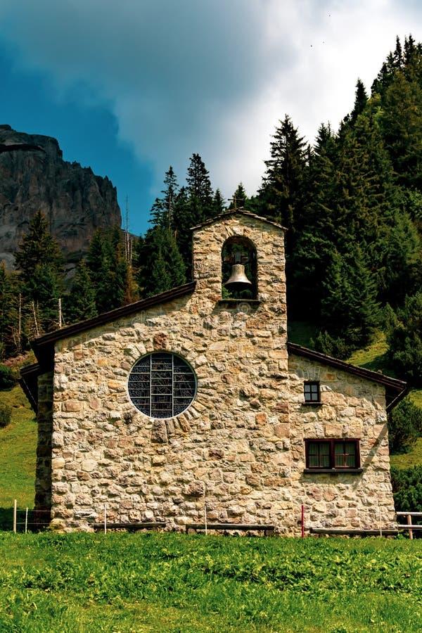 En sikt av Malbun, skidar semesterorten i Liechtenstein royaltyfri fotografi