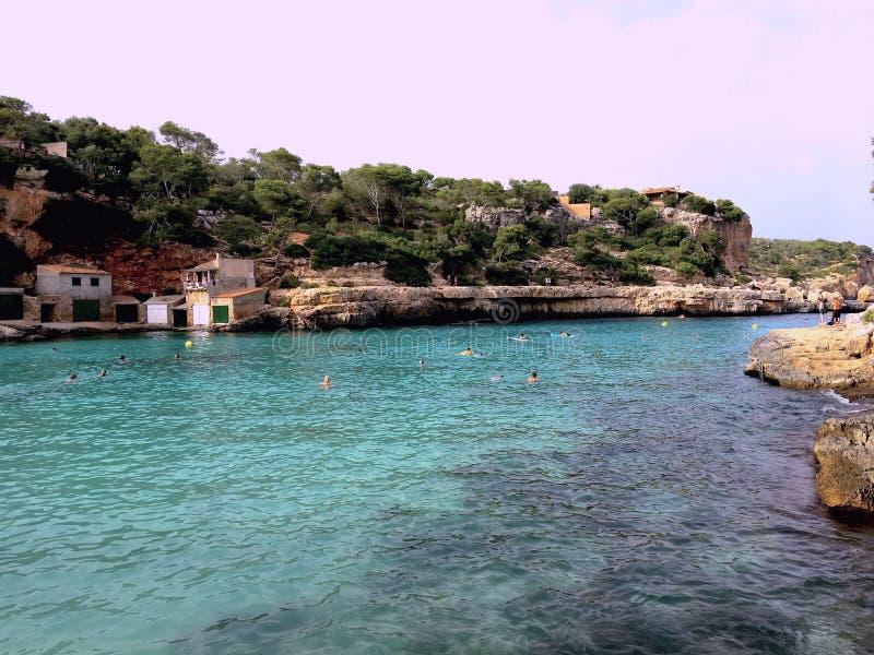 En sikt av en Mallorcas strand royaltyfria bilder