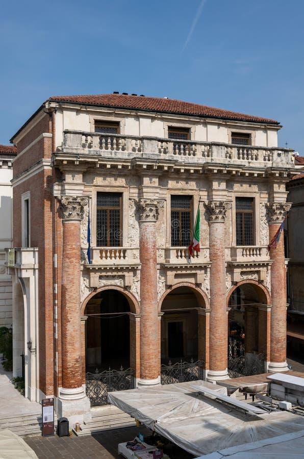 En sikt av Palazzoen del Capitaniato eller loggia del Capitaniato i piazzadeiSignori, Vicenza arkivfoton