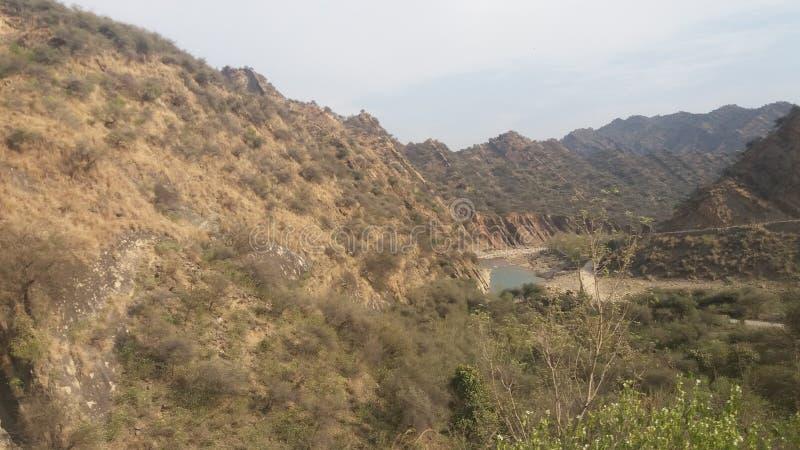 En sikt av sjön från överkant royaltyfria foton