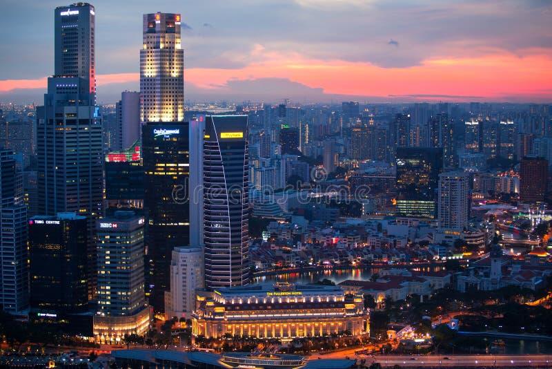 En sikt av staden från taket Marina Bay Hotel på April 15, 2012 på Singapore arkivbild