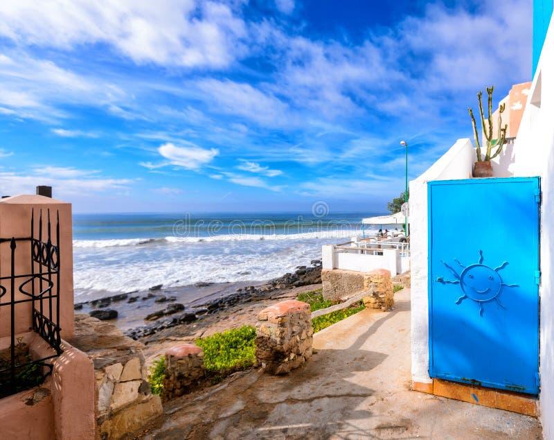 En sikt av stranden i taghazoute, Marocko 9 arkivfoton