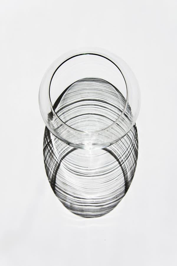 En sikt för fågelöga av en glass bunke arkivbild