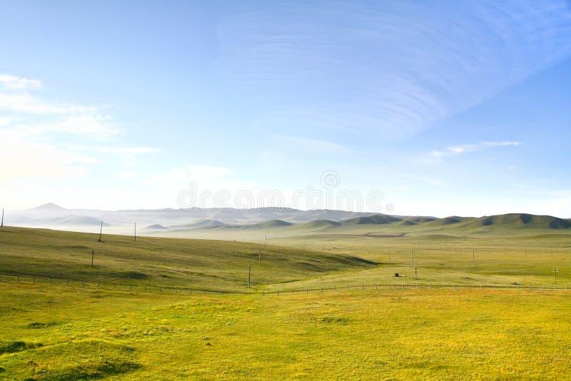 En sikt från detSiberian drevet på Ulaanbaatar, Mongoliet arkivbild